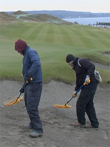 Shake'n Rakes working in wet bunker sand.
